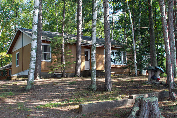 Peninsula Pines Resort & Campground on Little Muskie Lake has Wisconsin vacation resort cabin rentals near Springstead and Mercer Wisconsin.